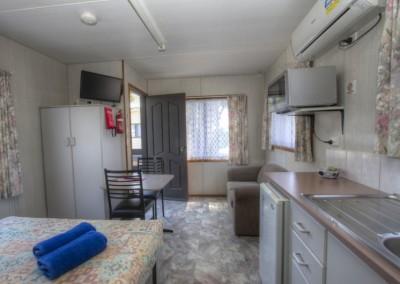 Ash Bedsitter Cabin – Sleeps 2