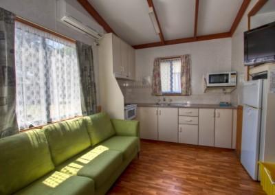 accomm-frangipanni-cabin-02