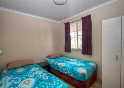 Bedroom- 2 x Single Beds
