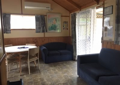 Lillipilli Cabin 12 – Sleeps 6